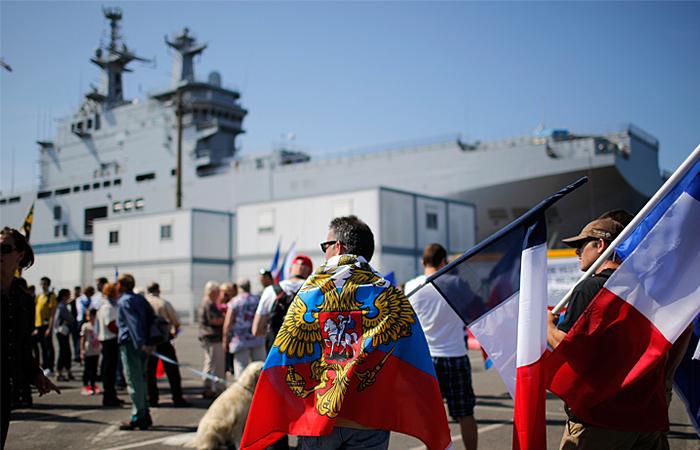 """Франция задумалась о переносе передачи """"Мистраля"""" России на три месяца"""