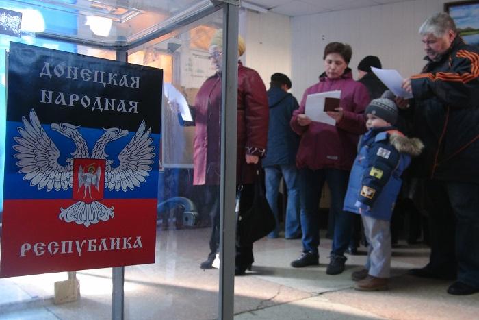 Захарченко принял отставку правительства ДНР