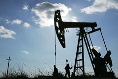 Нефть Brent с июня упала на 30%