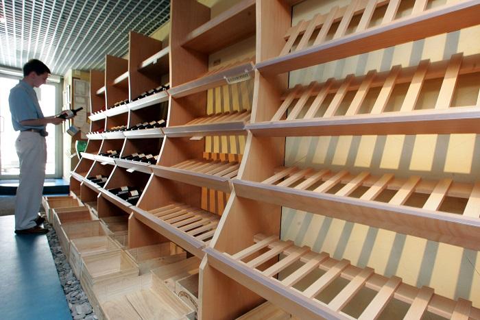 Депутаты предложили убрать алкоголь с витрин магазинов