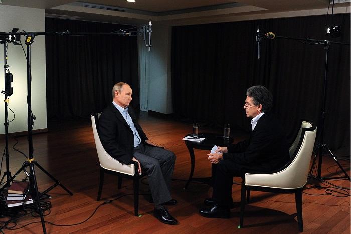 Путин назвал неадекватной реакцию Запада на вхождение Крыма в состав России