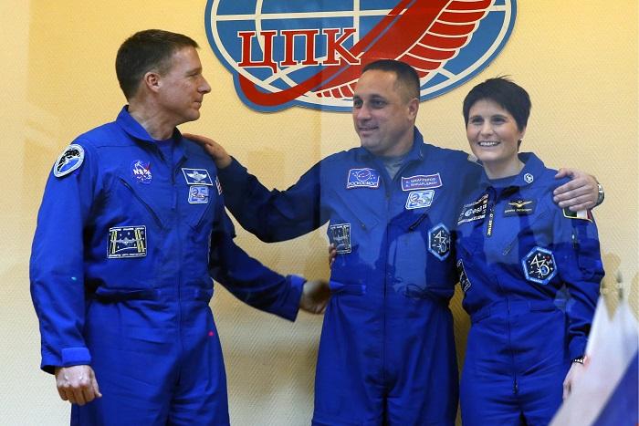 """Корабль """"Союз"""" доставил на МКС трех космонавтов"""