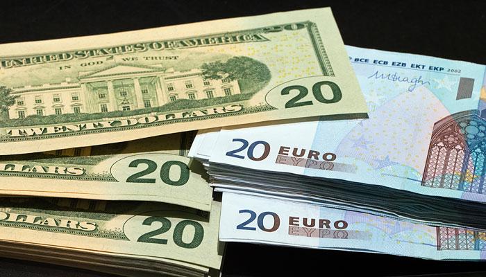 Доллар приблизился к 50 рублям