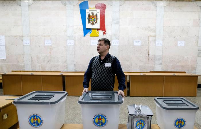 В Молдавии открылись избирательные участки