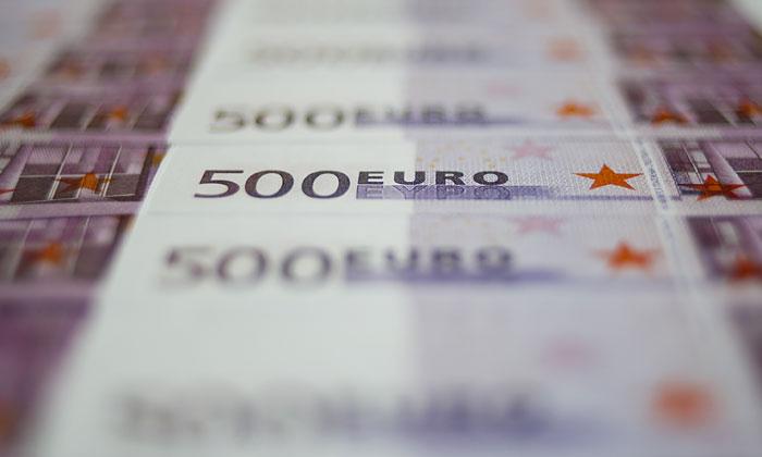 Евро достиг 65 рублей