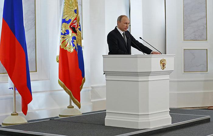 Путин объяснил санкции попыткой сдержать растущие возможности России