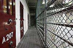 Шестеро освобожденных пленников Гуантанамо отправлены в Уругвай