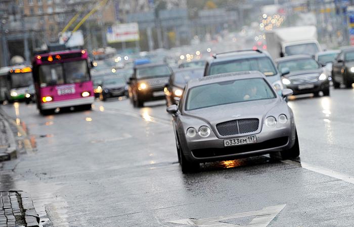 Треть городских маршрутов в Москве отдадут частным перевозчикам