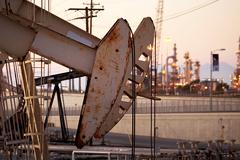 Цена нефти Brent упала ниже 63 долларов за баррель