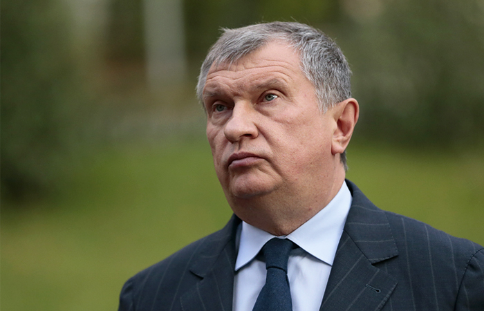 """Сечин назвал провокацией слухи об участии """"Роснефти"""" в обрушении рубля"""