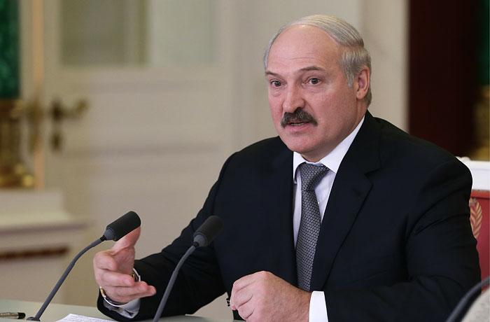 Лукашенко пожаловался на принятый без ведома Путина запрет на белорусский транзит