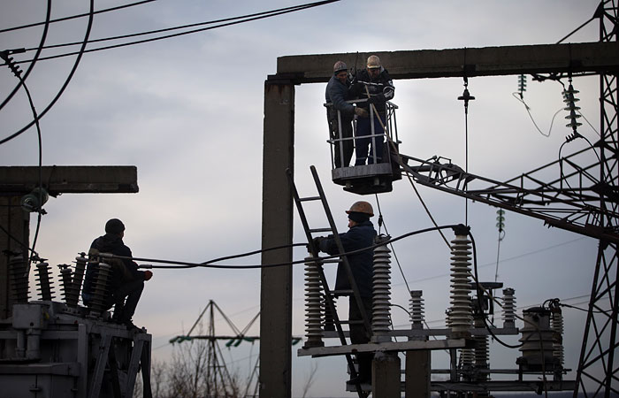 Украина прекратила поставки электроэнергии в Крым