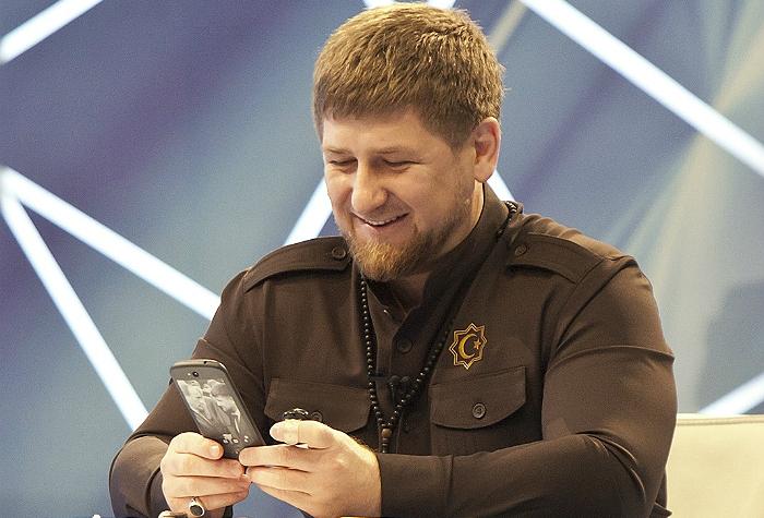 Кадыров заявил о готовности чеченских добровольцев выполнять приказы президента России