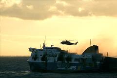 С горящего в Адриатике парома эвакуировали всех пассажиров