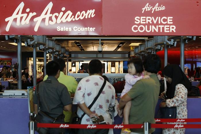 Cудмедэксперты приступили к осмотру тел жертв крушения самолета AirAsia