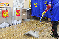 На избирательном участке в Москве задержаны полуголые украинки