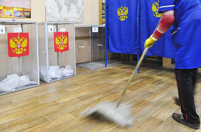 http://www.interfax.ru/ftproot/textphotos/2014/13/700ht_Dev.jpg