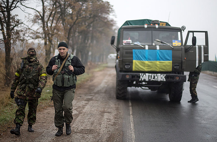 Жертвами ДТП на востоке Украины стали более десяти военных