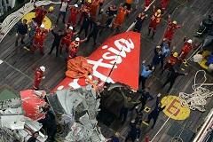 Спасатели заявили о возможном обнаружении фюзеляжа пропавшего самолета AirAsia