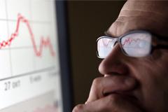 Потребительская уверенность населения России обвалилась в конце 2014 года