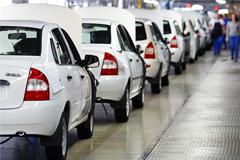 """Продажи """"АвтоВАЗа"""" в 2014 году упали на 15%"""
