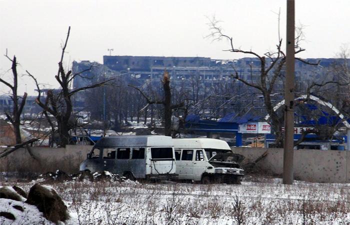 Перекрытия обрушились на украинских военных в здании донецкого аэропорта