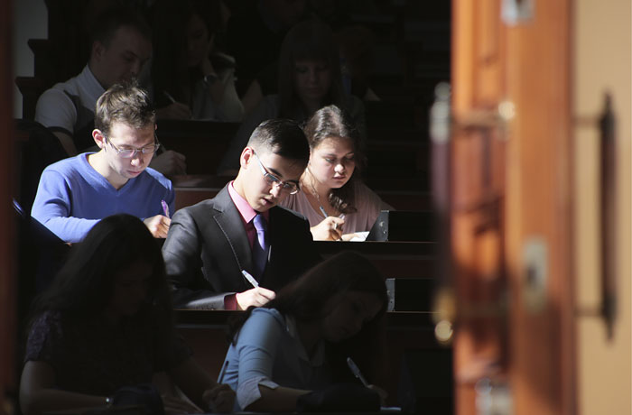 Повышение стипендий российским студентам оказалось под вопросом