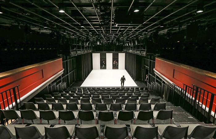http://www.interfax.ru/ftproot/textphotos/2015/01/26/teatr700.jpg