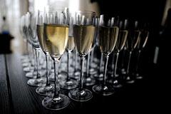 Цены на вино и шампанское попали под госрегулирование
