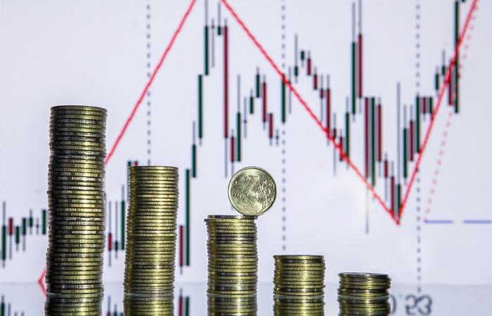 Рубль ослаб в январе до минимального уровня за 1,5 месяца