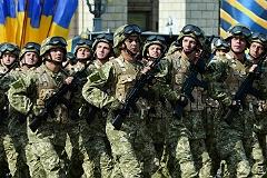 Яценюк пообещал дополнительные выплаты участникам военной операции