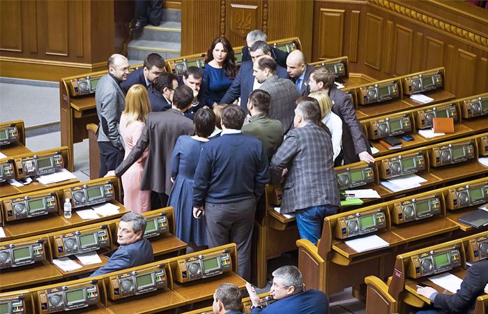 Украинская Рада решила обратиться к конгрессу США за военной помощью