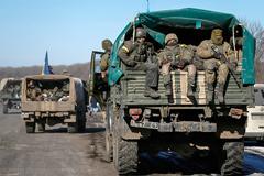 Порошенко заявил о плановом выводе украинских войск из Дебальцево