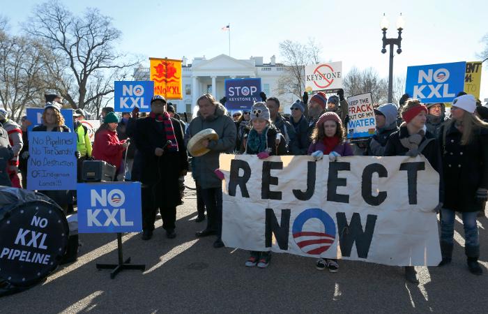 "Обама наложил вето на строительство трубопровода ""Кистоун XL"""