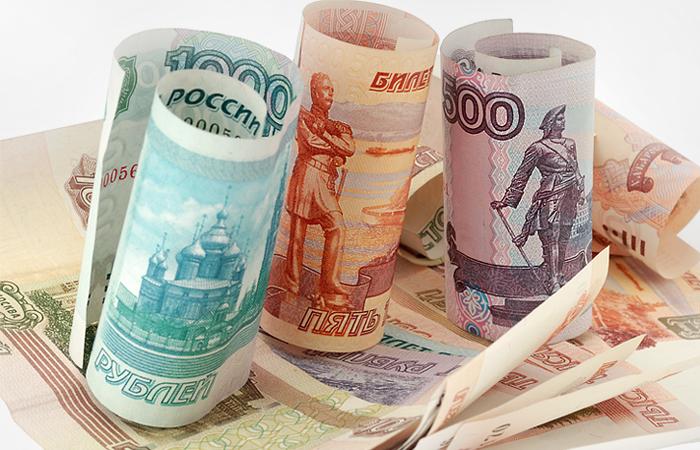 Рубль завершит февраль сильнейшим ростом за 23 года