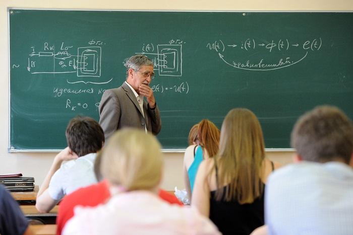 Студенческий омбудсмен рассказал о задержке стипендий в 40 вузах