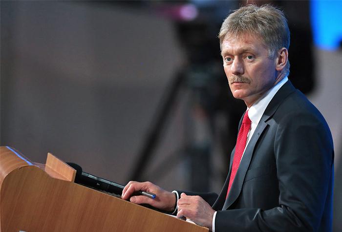 """Песков назвал абсурдом слухи о """"расстрельном списке"""" с фамилиями Немцова и журналистов"""