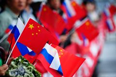 Торгпред КНР: достичь к 2015 году объема двусторонней торговли в $100 млрд трудно, но возможно