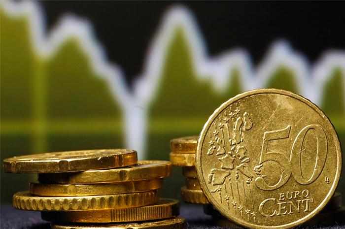 Отток средств из европейских активов толкнул евро вниз