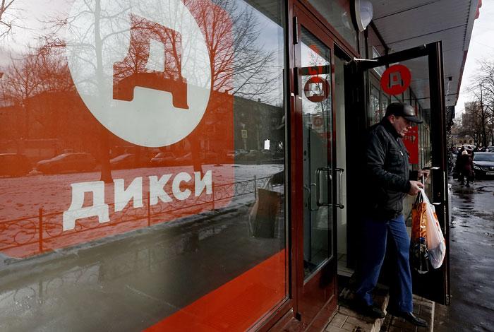 "ФАС разберется в споре производителей водки с ""Дикси"""