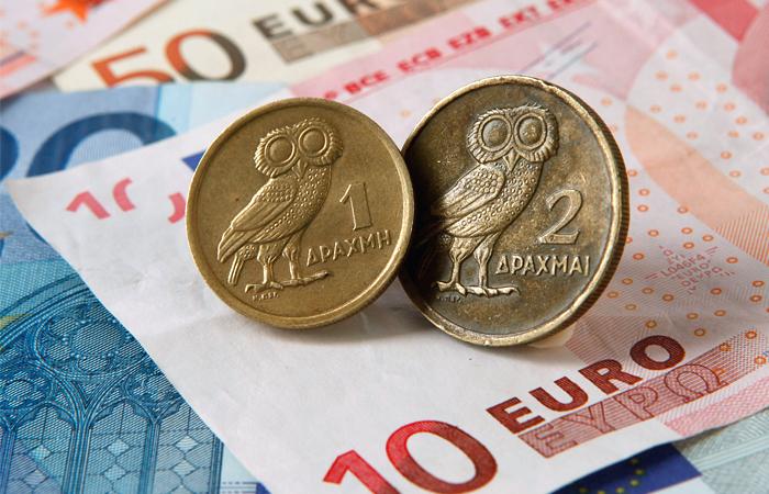 Греция подготовит планы возврата к драхме