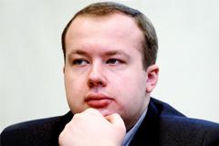 Соратника Навального приговорили к обязательным работам за кражу картины