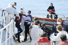 Выживший рассказал о 950 мигрантах на затонувшем в Средиземном море судне