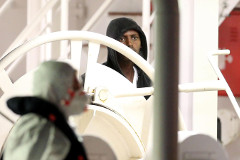 В Италии арестовали капитана затонувшего судна с мигрантами