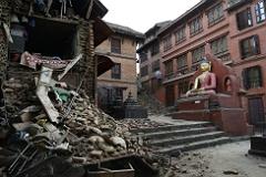 Число жертв землетрясения в Непале выросло до двух с половиной тысяч