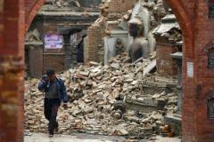Число жертв землетрясения в Непале превысило шесть тысяч человек