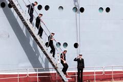 """Экипаж """"Мистралей"""" продолжит службу на новых кораблях океанской зоны ВМФ России"""