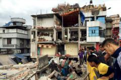 Число жертв землетрясения в Непале превысило восемь тысяч человек