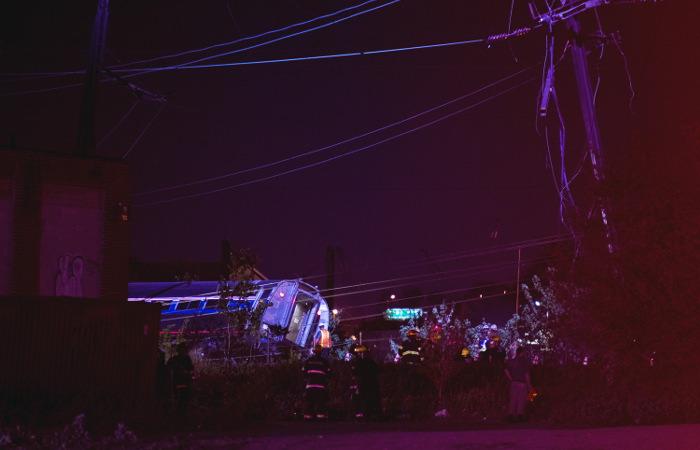 Появились жертвы крушения поезда в Филадельфии