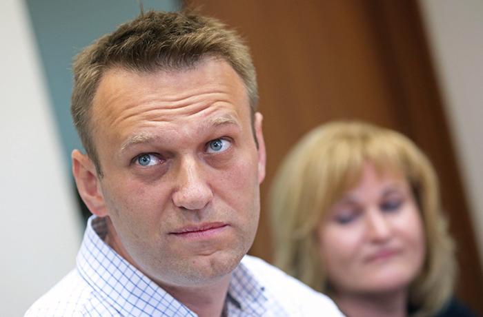 Суд не стал менять Навальному условный срок на реальный